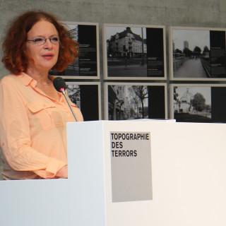 Anetta Kahane am Sprecherpult