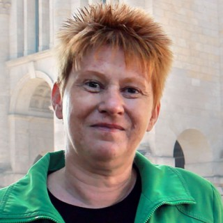 Petra-Pau-Mitglied-Ratschlag-Demokratie-500