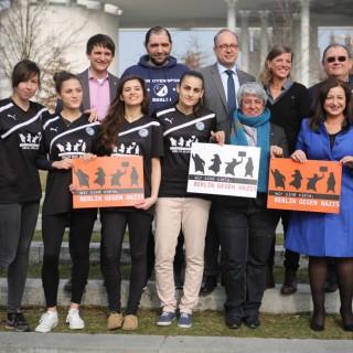 Berlin gegen Nazis gemeinsam mit Mitgliedern des Berliner Ratschlags für Demokratie.