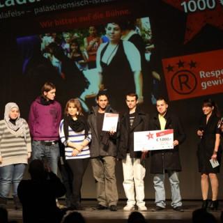 """Respekt-gewinnt-Preisverleihung 2010, 2. Preis annetzwerk stadtraumkultur e.V. """"Die Falafels"""" – ein palästinensisch-israelisch-deutsches Straßentheater"""