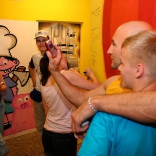 Das Ratschlagsmitglied Murat Topal in der Jugendfreizeiteinrichtung FUTURE in Berlin-Wartenberg