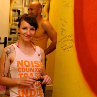 Die Ratschlagsmitglieder Magdalena Bienert und Murat Topal in der Jugendfreizeiteinrichtung FUTURE in Berlin-Wartenberg