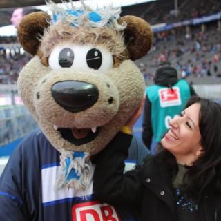 Das Hertha-Maskottchen bei der Respekt-gewinnt-Preisverleihung 2011