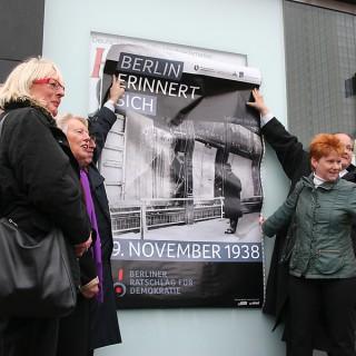 """Plakataktion zum Gedenken an die """"Reichspogromnacht"""""""